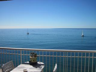 Chateau St Louis: French Riviera holiday studio with terrace and sea view - Menton vacation rentals