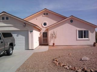 Pearce, Arizona!!Cochise's Stronghold to explore - Pearce vacation rentals