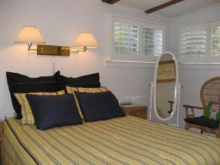 2 Bed ~ Pet Poss + Path to Water & Tennis next dr - Provincetown vacation rentals