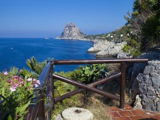 Holiday letting 8 pers.Mare e Sole at the coast - Santa Flavia vacation rentals