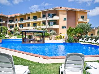 Apartment in complex with pool - Santa Teresa di Gallura vacation rentals