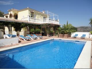 Villa Amarilla - Comares vacation rentals
