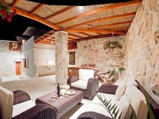 Villa Oceanus - Vis vacation rentals