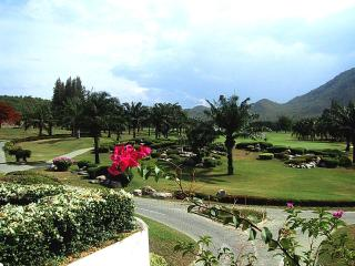 Luxury Condo on Golf Course, Quiet Setting by Sea - Hua Hin vacation rentals