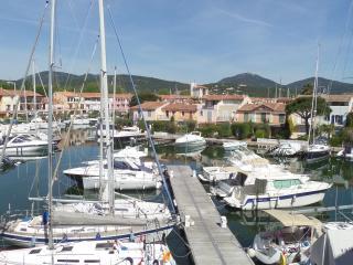 Port Grimaud holiday apartment, near St Tropez - Port Grimaud vacation rentals