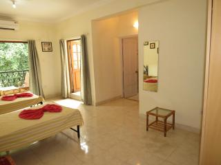 37) Studio Apt Central Calangute Sleeps  2-4 - Calangute vacation rentals