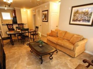 3 Bedroom 3 Bathroom Penthouse Level Condo in Bella Piazza Resort. 906CP-433 - Orlando vacation rentals