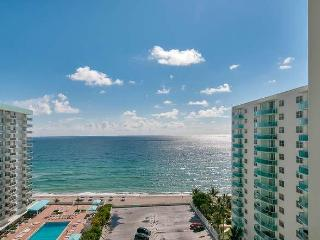 Very  Cozy and Comfortable  2 Bedroom / 2 Bathrooms at  the Beach . Nice views. - Hollywood vacation rentals