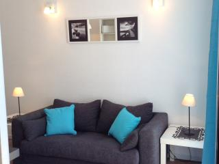 BRIGHT SEAFRONT APARTMENT - Funchal vacation rentals