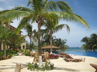 Infinity Bay Resort, West Bay, Roatan, Honduras. Enjoy your holiday  en Paradise!!!!! - Roatan vacation rentals