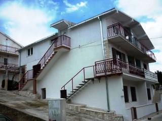 Apartment for 6 people, PETAR 2 - Dugi Rat vacation rentals