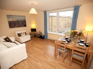 Tower of London Apartment nr City Centre & Thames - London vacation rentals