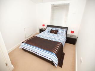 BUDGET Apartment near Tube - London vacation rentals