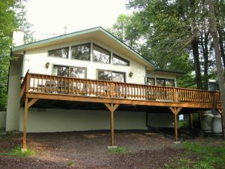 Beautiful Lakefront Chalet - Tobyhanna vacation rentals