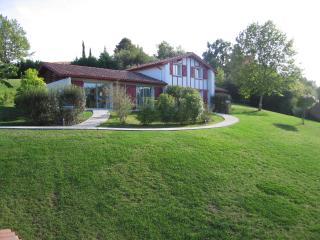 Les Villas d'HARRI-XURIA villa 2 ITSASOA - Bayonne vacation rentals