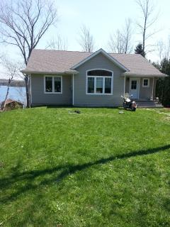 Tall Tale Lodge-lake front cottage - Lion's Head vacation rentals