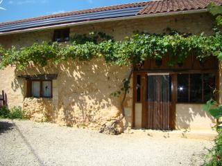 TROIS MAISONS walnut barn - Dordogne Region vacation rentals