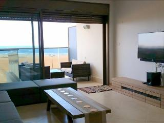 Luxury Ir Yamim Apartment with pool and sea views - EM05KP - Bnei Tzion vacation rentals