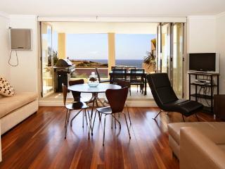 Captivating Beachside Apartment - Sydney vacation rentals