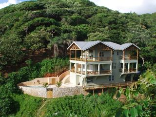 L'Alizé: Luxury Beachfront, in West Bay - West Bay vacation rentals