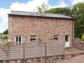 HAY BARN, WiFi, en-suite bedrooms, rural location, detached cottage near Ingleton, Ref. 913007 - Yorkshire Dales National Park vacation rentals