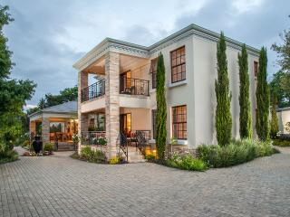 Luxury 5 Star Guest House / B+B in Cape Wine Lands, South Africa - Somerset West vacation rentals