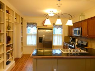 Beautiful Victorian 3 Bedroom apartment - Capital Saratoga vacation rentals