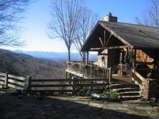 Very nice views, 3 mi to DT AVL - Asheville vacation rentals