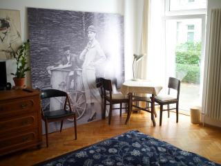 Lovely Apartment with Garden Terrace - Berlin vacation rentals
