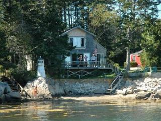 Island View Spruce Head Maine Lighthouse Cottage - South Thomaston vacation rentals
