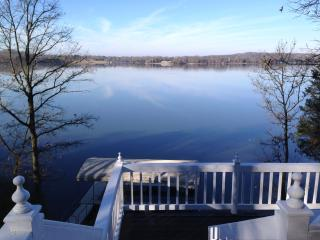 Wonderful cabin on Old Hickory Lake Boat Dock  WOW - Lebanon vacation rentals