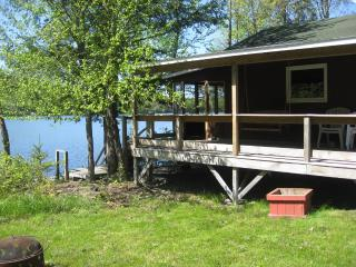 2 bedroom cottage just feet from the water - Orford vacation rentals