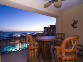 1 BDR BEACHFRONT WITH VIEW VIEWS, SLEEPS 2 - Northern Mexico vacation rentals