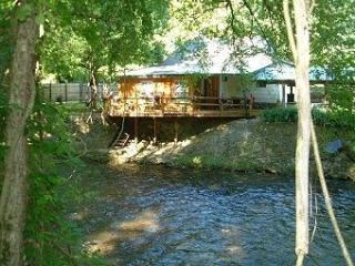 Deep Creek Bryson City BRYSON PATCH CABINS - Bryson City vacation rentals