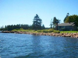Oceanfront cottage on Schoodic Point - Winter Harbor vacation rentals