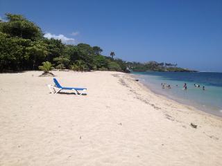 5 star 0ne bedroom steps to the beach - Costambar vacation rentals