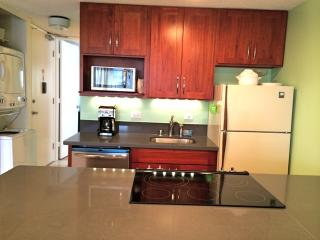 New, Remodeled 1 BR condo with Parking & views - Honolulu vacation rentals