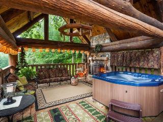 Yogi's Hideaway - Stunning Cabin, Hiking & Tennis - Ellijay vacation rentals