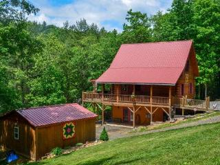 Beautiful Log Cabin in the NC Blue Ridge Mountains - Laurel Springs vacation rentals