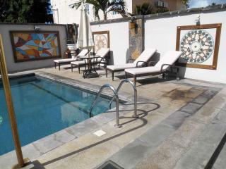JUNIOR SUITE 3 mn walking  from the BEACH - Pereybere vacation rentals