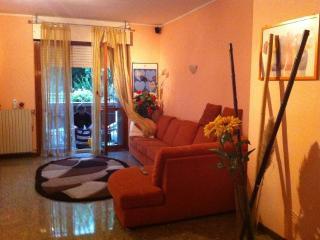 BIG Apartment in RHO EXPO MILANO 6 people - Rho vacation rentals