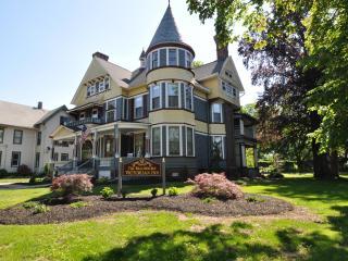 Newly remodeled 1891 Queen Anne Victorian mansion - Bristol vacation rentals