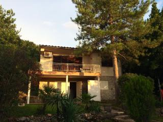 Isolated house, 50m from the beach - Vantacici vacation rentals