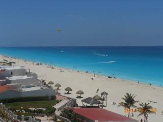 Beach house three bedrooms in resort - Cancun vacation rentals