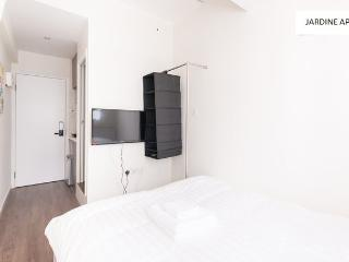Clean and New Reno Apartment in the Heart of Hong Kong - Hong Kong vacation rentals