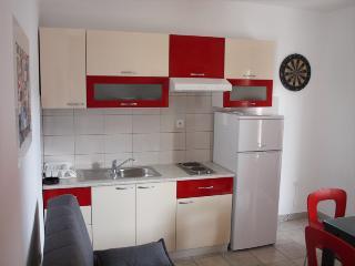 Amy apartment-West - Slatine vacation rentals