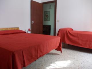 palazzina con 1 piano - San Felice Circeo vacation rentals