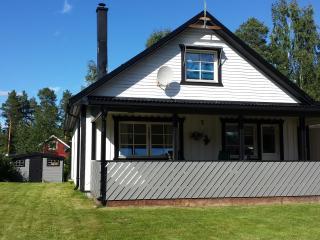 Villa Majringen, 215 qm, bis 8 Pers. Sauna, Kamin - Boden vacation rentals