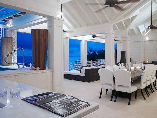 Smugglers Cove 7 - The Penthouse SPECIAL OFFER: Barbados Villa 203 Swim, Play And Relax On The Stunning White Sands. - Paynes Bay vacation rentals