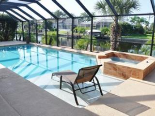 Pool and Spa - Robin Ct. - ROB859 - Beautifully Renovated Waterfront Home! - Marco Island - rentals